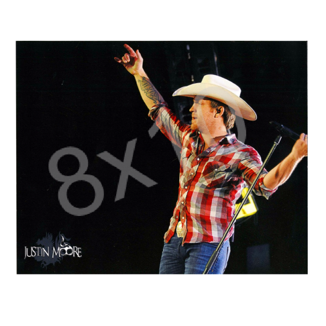 Justin Moore 8x10- In Concert
